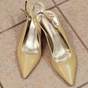 Anne Klein Sling back heels sz 9